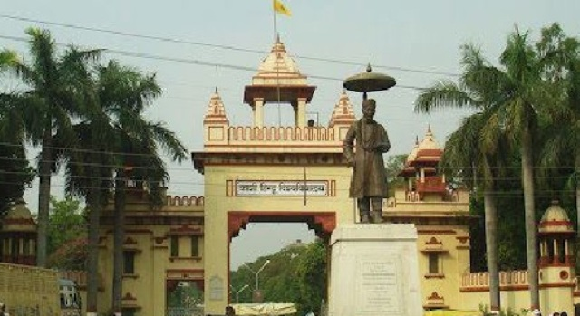 Major universities of India having an MBA through Hindi medium