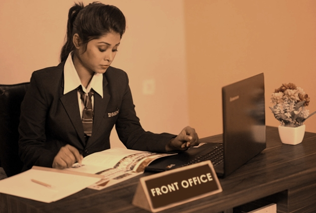 Courses and Career of a Front Desk Executive in India