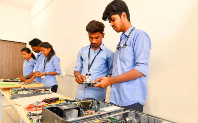 Benefits of BSc Information Technology for College Students