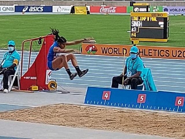 India's Shaili Singh wins silver in long jump
