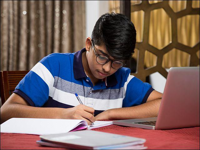 iACST – An instant scholarship test for those who are passionate about their dream