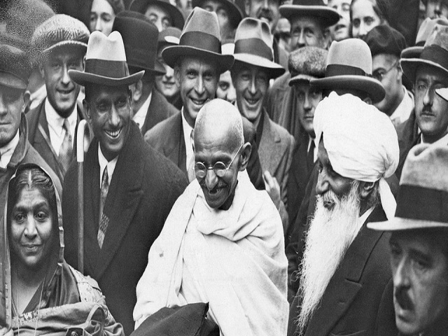 Journey of Mahatma Gandhi from South Africa to India