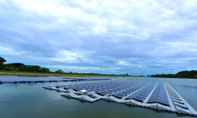 Singapore's Sunseap to build world's largest floating solar farm in Indonesia