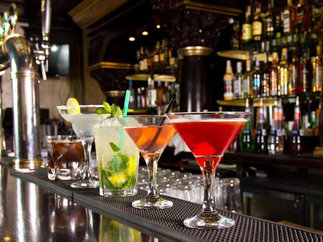 Delhi government's new excise policy now allows bars in hotels, restaurants and clubs to operate till 3 am
