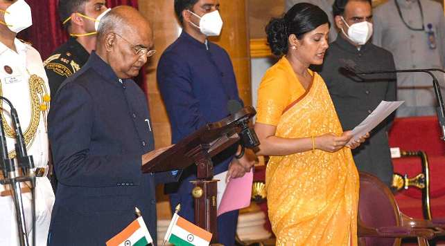 Modi Government gets 11 Women Ministers, Highest since 2004