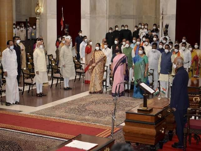 Modi cabinet reshuffle done, 43 new ministers take oath