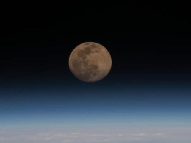 Mobile robot on moon
