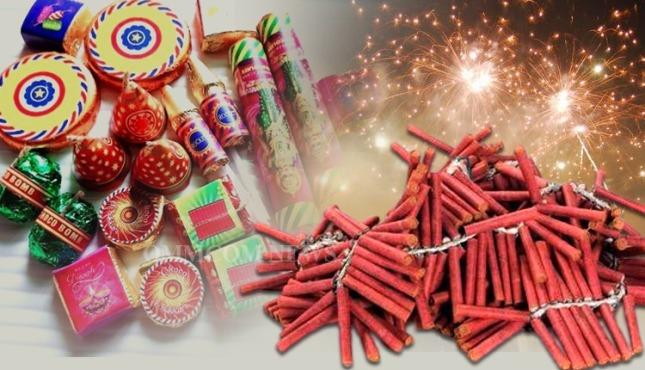 Delhi bans firecrackers