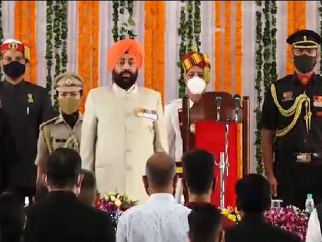 Gurmit Singh takes oath as new Uttarakhand Governor