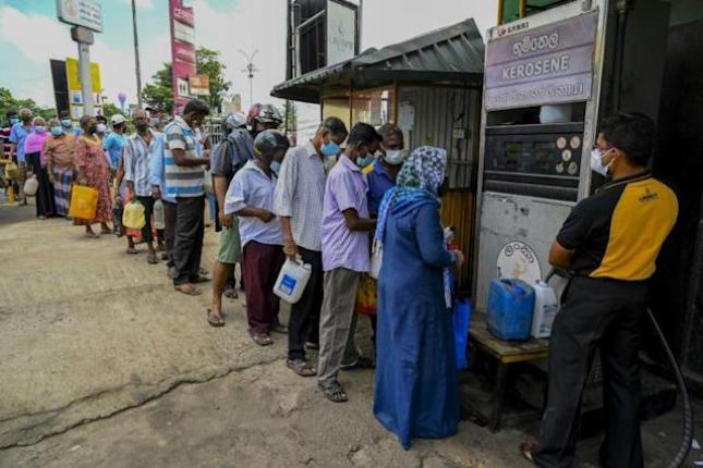 What caused the Sri Lankan economic crisis