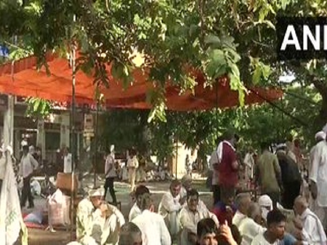 Farmers Gherao Mini Secretariat in Karnal, Source: ANI