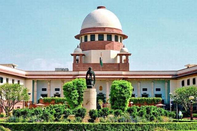 Daughters have equal coparcenary rights in joint Hindu family property says SC in Hindi