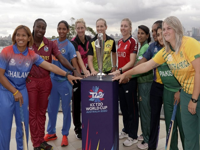 Women Captains with ICC World Cup Trophy 2020