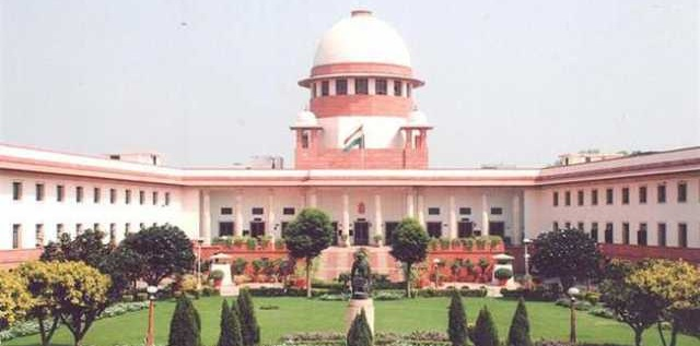 Adult couple has the right to live together without marriage: SC